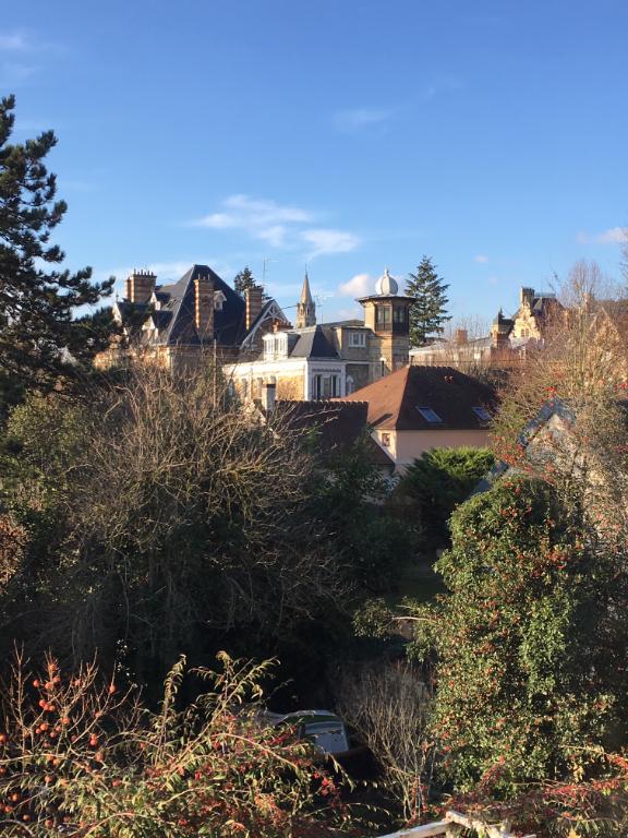 Appartement Le Chesnay 4/5 pièces 111 m2 avec terrasse